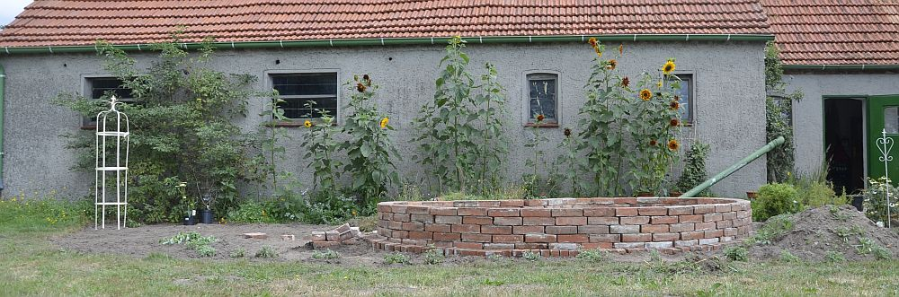 Raised bed from red bricks